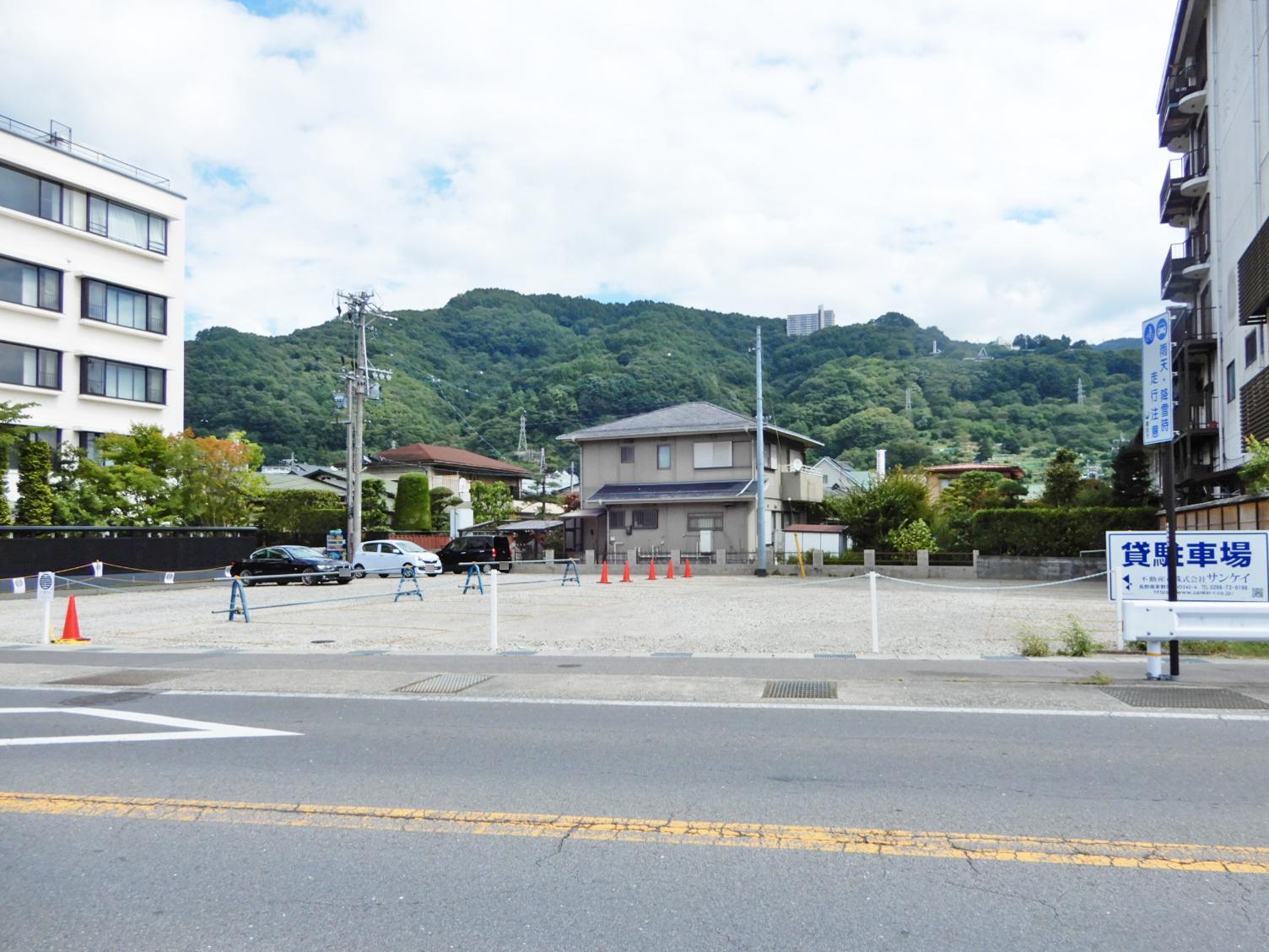 諏訪湖畔駐車場_サブ画像01